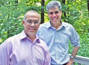 Haidt poses with another person who thinks it's normal to not change your mind in the face of evidence...